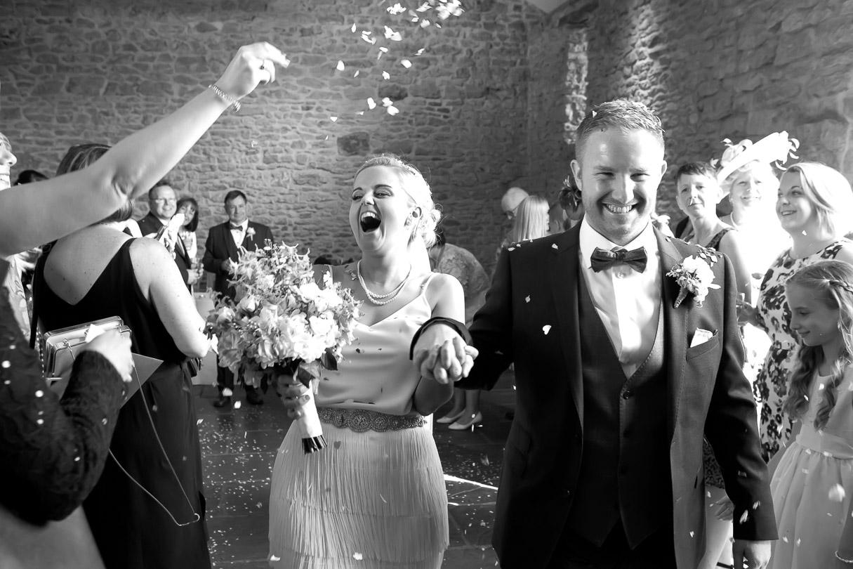 bride and groom -confetti